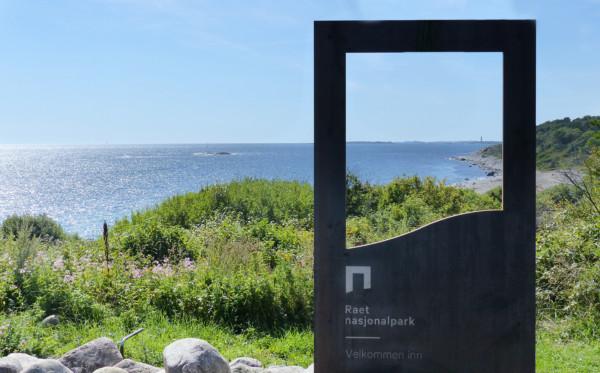 Portalen er et ledd i merkevarestrategien til Norges nasjonalparker, og på Spornes er den plassert helt i tråd med hensikten. Den rammer inn noe av nasjonalparkens kvaliteter og ønsker besøkende velkommen inn i nasjonalparken