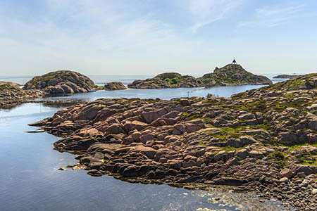 Valøyene med Hesnes merke er helt vest i Raet nasjonalpark, Grimstad.